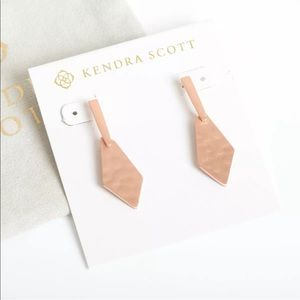 Kendra Scott Gia Drop Earrings In Rose Gold